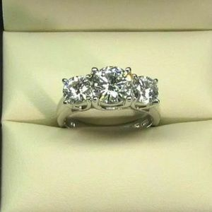 1 carat 14k and platinum 3 stone diamond ring